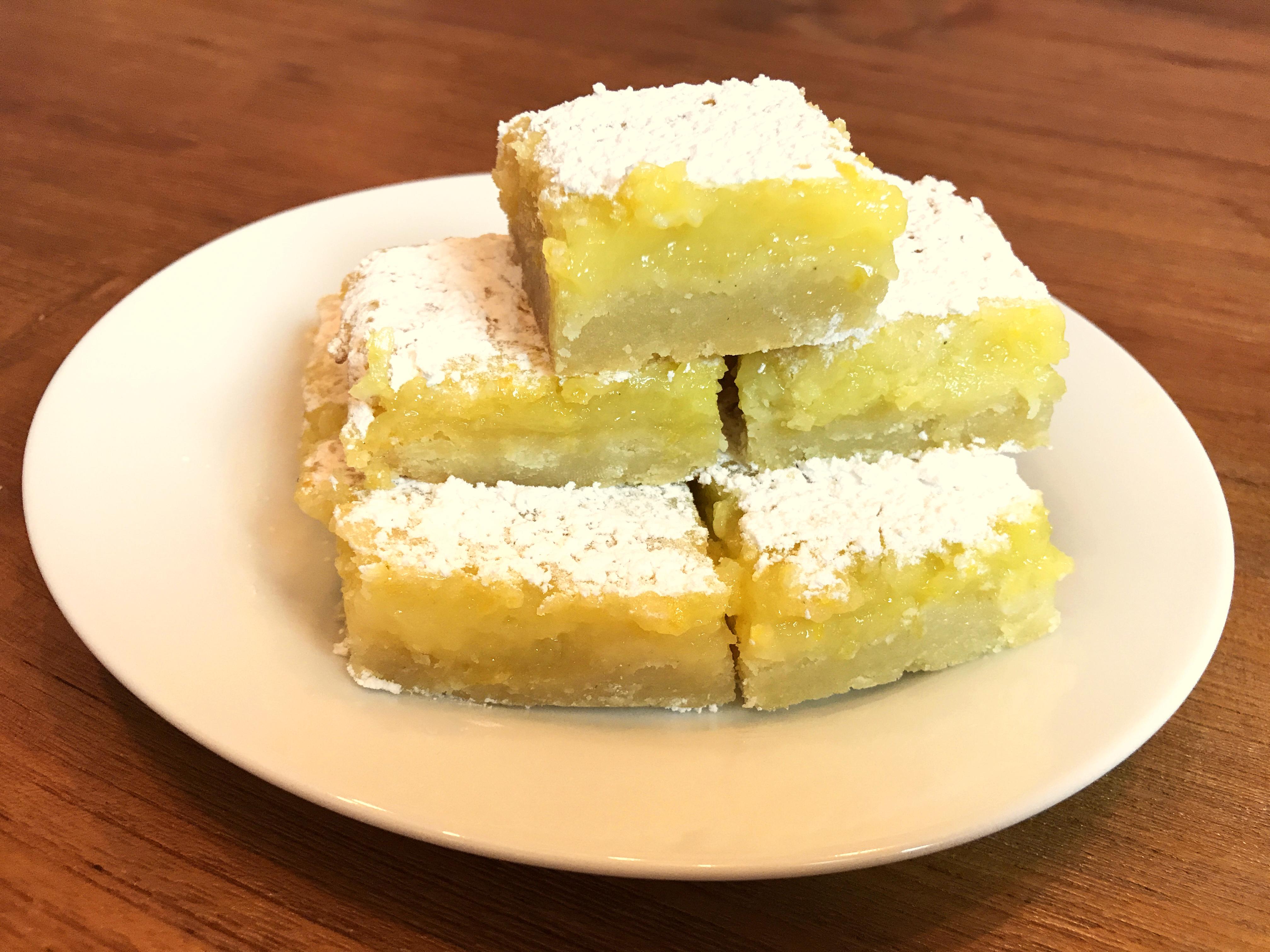 KitchAnnette Lemon Bars Pyramid